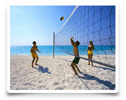 Beachvolleyball spielen - Bungalow Resort Whispering Palms Philippines